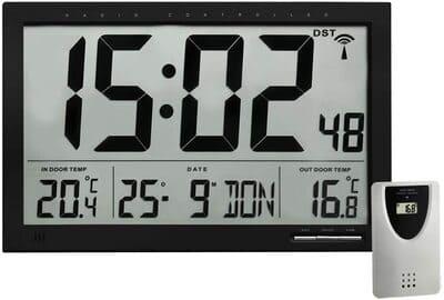 Reloj digital de pared con termómetro y sensor TFA